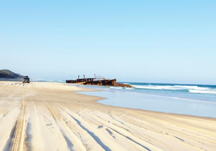 plaża na największej piaszczystej wyspie świata
